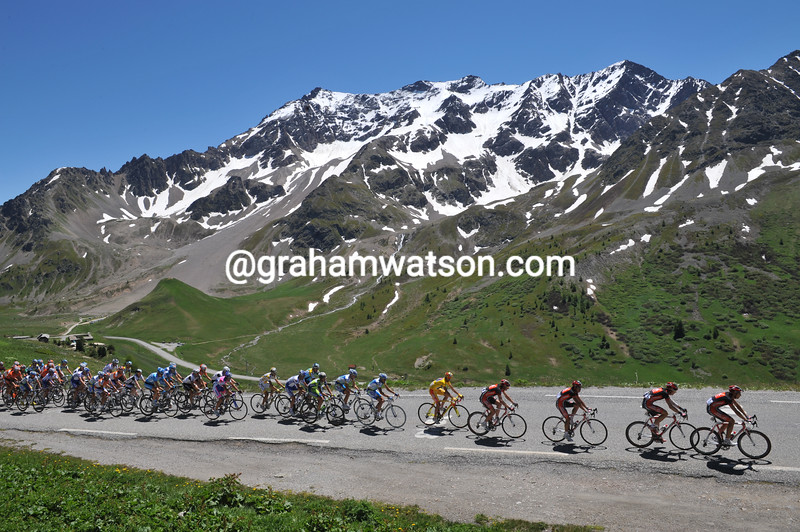 THE PELOTON CLIMBS THE COL DU GALIBIER IN THE 2009 DAUPHINE-LIBERE