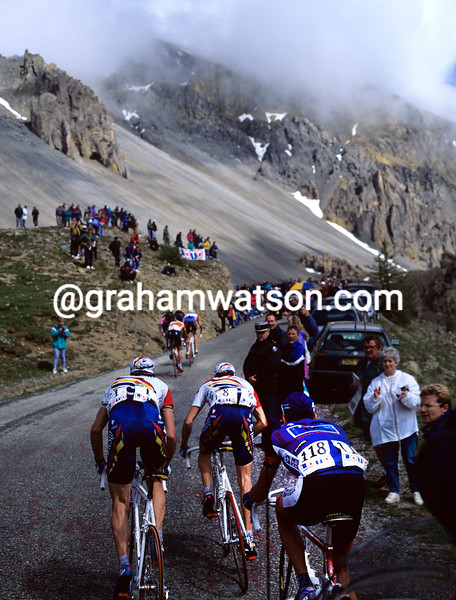 Cyclists climb the Col d'Izoard in the 2000 Dauphiné-Libéré