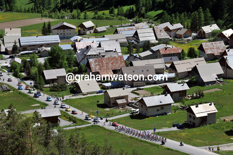 THE PELOTON CLIMBS THE COL d'IZOARD IN THE 2009 DAUPHINE-LIBERE