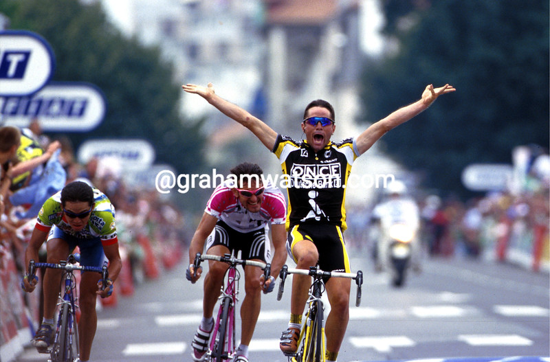 David Etxebarria wins a stage of the 1999 Tour de France