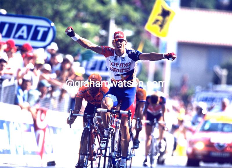 DAVID MILLAR WINS STAGE THIRTEEN OF THE 2001 TOUR DE FRANCE