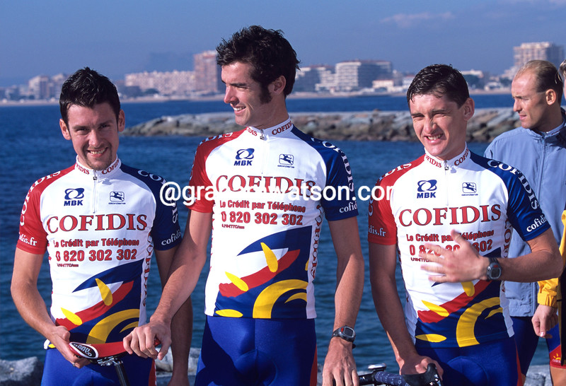 DAVID MILLAR WITH NICO MATTTAN AND ANDRE KIVILEV (LEFT) AT A TRAINING CAMP IN 2000