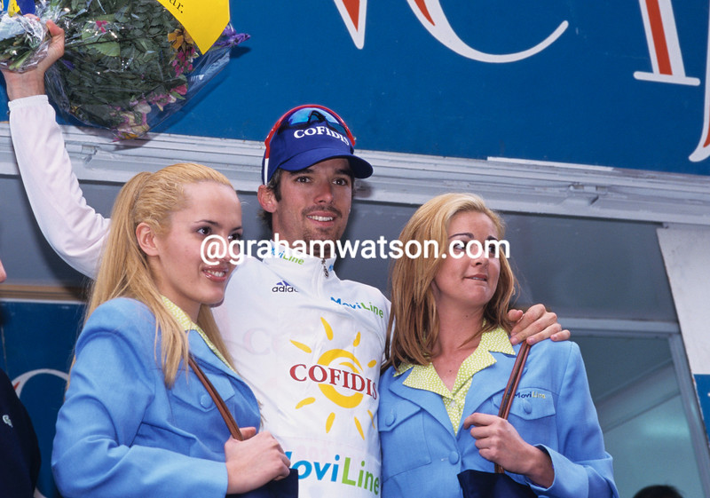 DAVID MILLAR POSES ON THE PODIUM OF THE TOUR OF VALENCIA IN 1999