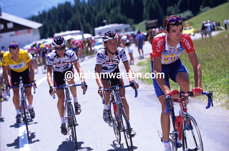 DAVID MILLAR SETS THE PACE FOR TYLER HAMILTON AND LANCE ARMSTRONG DURING THE 2000 TOUR DE FRANCE