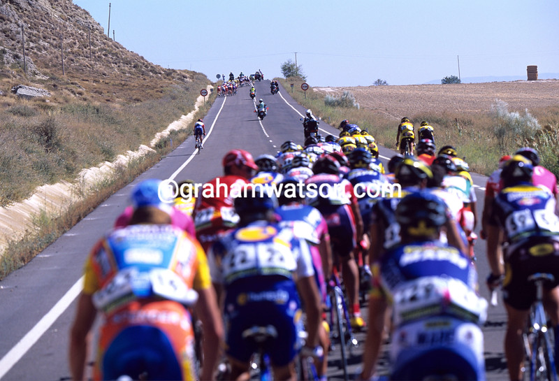 DAVID MILLAR MAKES A SOLO EFFORT TO CHASE ACROSS TO A DEVELOPING ESCAPE IN THE 2003 TOUR OF SPAIN