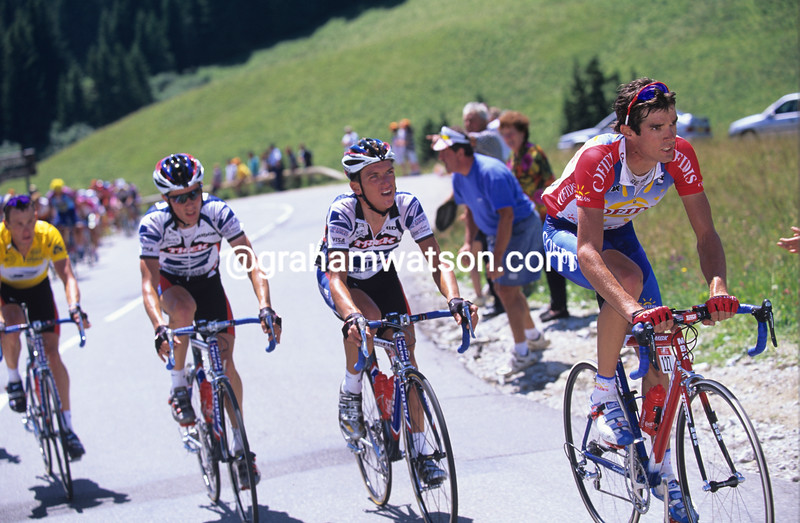 David Millar chases Marco Pantani in the 2000 Tour de France