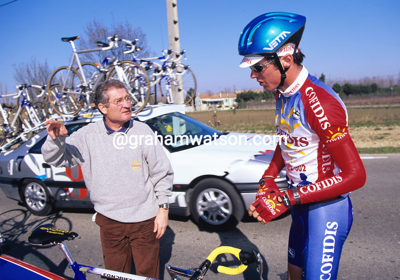 DAVID MILLAR GETS GUIDANCE FROM CYRILLE GUIMARD AFTER ABANDONING IN THE 1997 ETOILE DE BESSEGES