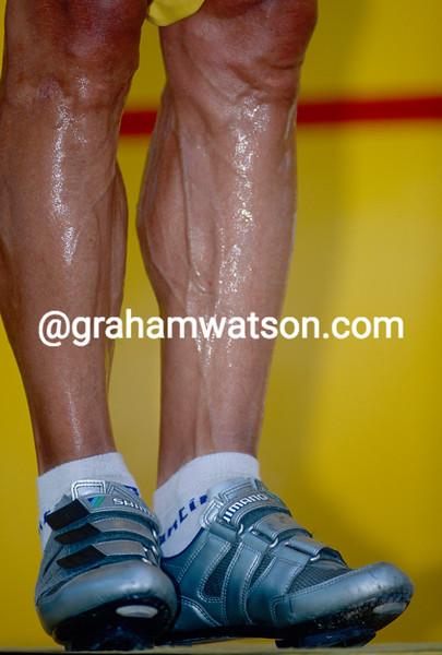 The legs of Djadmolodine Abdujaparov