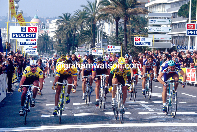 Djadmolodine Abdujaparov wins a stage of the 1989 Paris-Nice