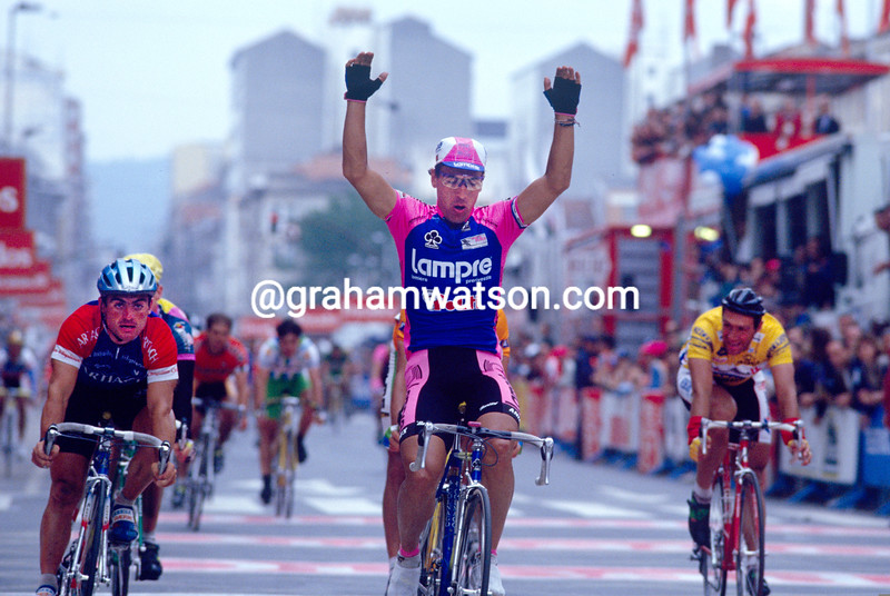Djadmolodine Abdujaparov wins a stage of the 1992 Tour of Spain