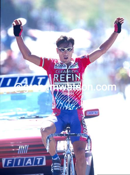 Djadmolodine Abdujaparov wins a stage of the 1997 Tour de France