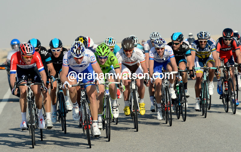 Dominique Rollin leads an echelon of riders on stage 1 of the 2013 Tour of Qatar