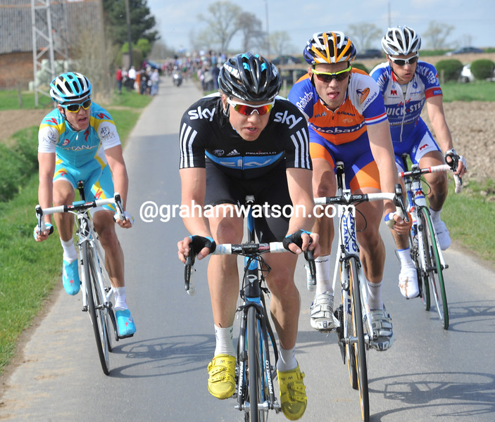 EDVALD BOASSON HAGEN LEADS AN ESCAPE IN THE 2011 TOUR OF FLANDERS