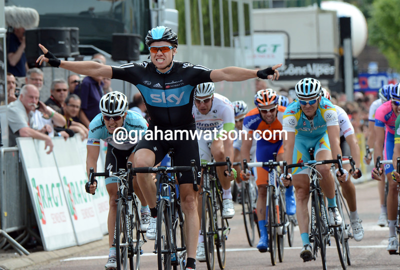 Edvald Boasson Hagen wins stage three of the 2012 Dauphine-Libere