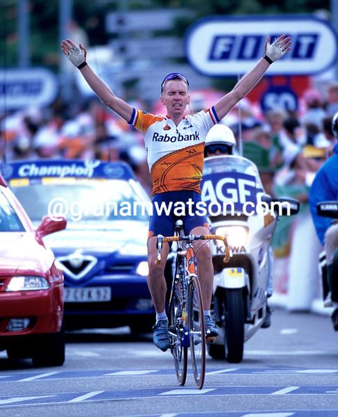 Eric Dekker wins a stage of the 2000 Tour de France