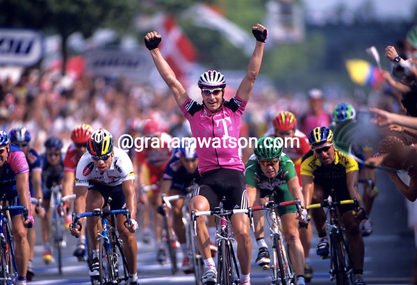 Erik Zabel wins a stage of the 2001 Tour de France