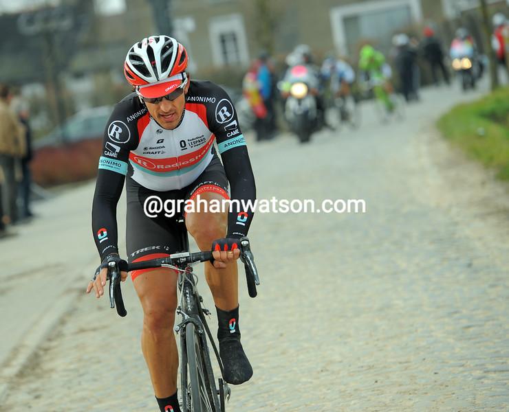 Fabian Cancellara escapes on the Kwaremont in the 2013 E3 Harelbeke