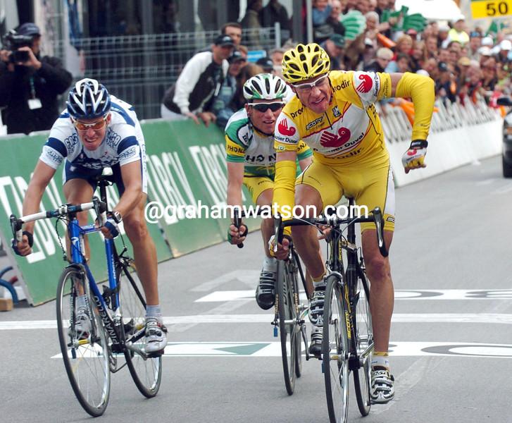 FABIAN JEKER WINS A STAGE OF THE 2004 TOUR DE ROMANDIE