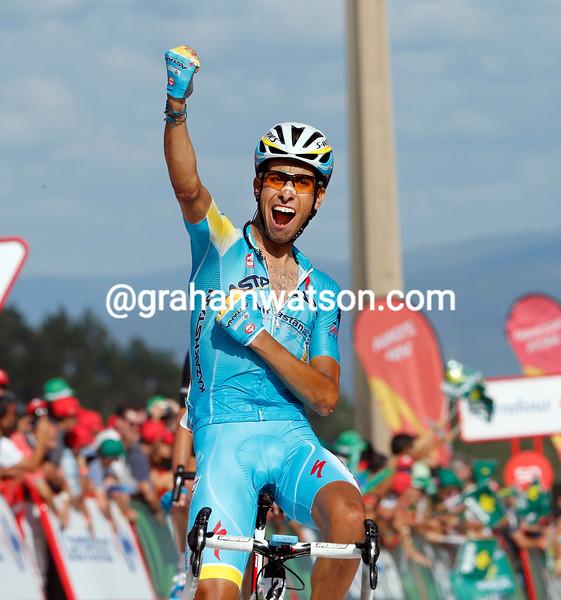 Fabio Aru wins stage eighteen of the 2014 Vuelta a España