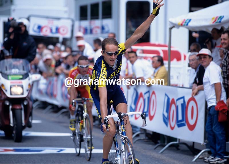 Laurent Madouas wins a stage of the 1999 Dauphiné-Libéré