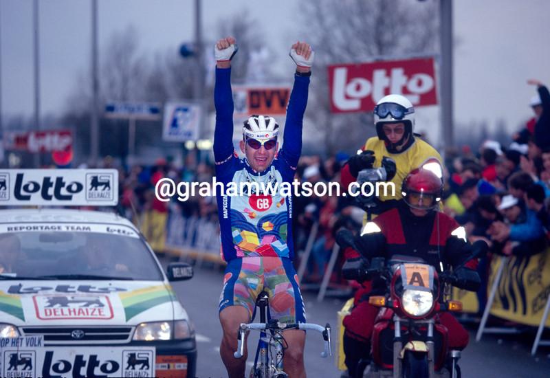 Franco Ballerini wins the 1995 Omloop Het Volk