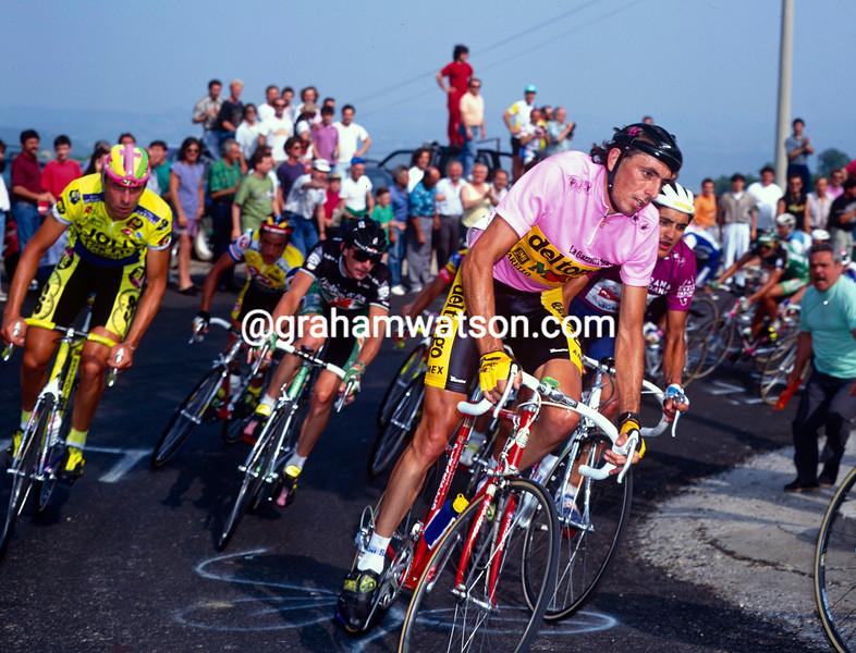 Franco Chioccioli on a stage of the 1991 Giro d'Italia