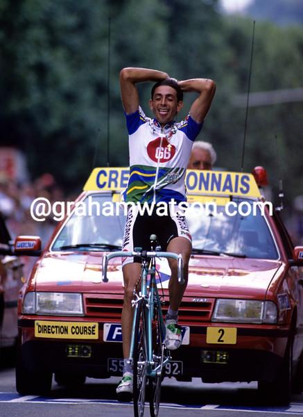 Franco Chioccioli wins a stage of the 1992 Tour de France