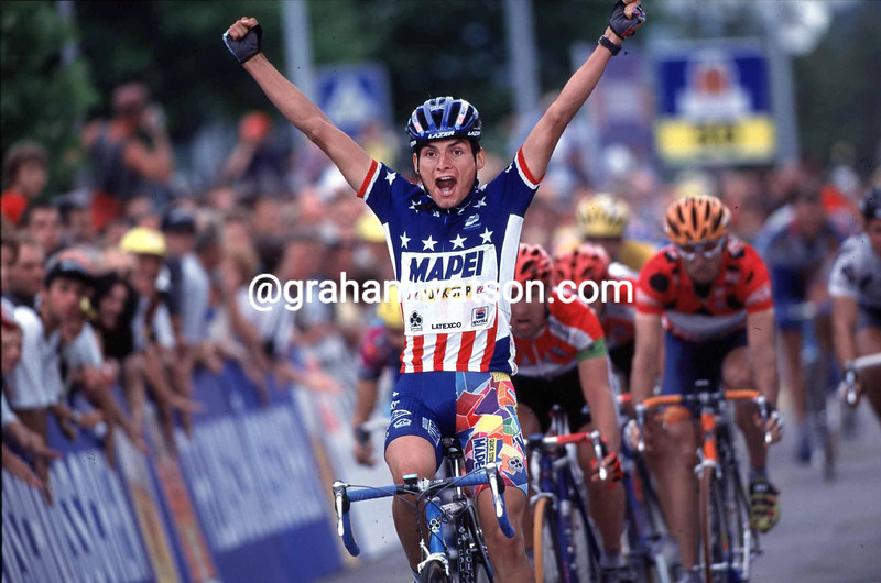 Fred Rodriguez wins a stage of the 2000 Tour de Suisse