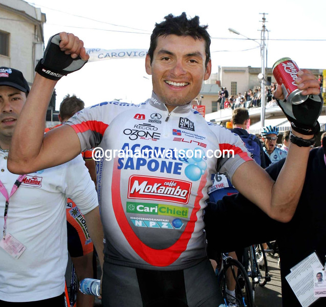 FRED RODRIGUEZ WINS A STAGE IN THE 2004 GIRO D'ITALIA