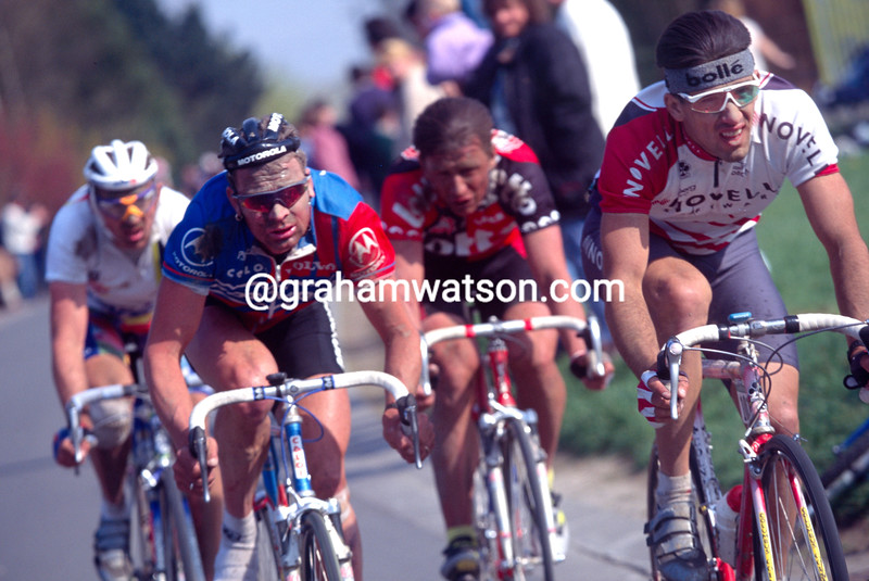 Frederic Moncassin and Sean Yates in the 1996 Paris-Roubaix