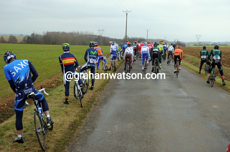 The peloton stops for a wee on stage three of the 2012 Paris-Nice
