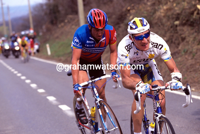 Didier Rous leads Lance Armstrong in the 1996 Fleche Wallonne