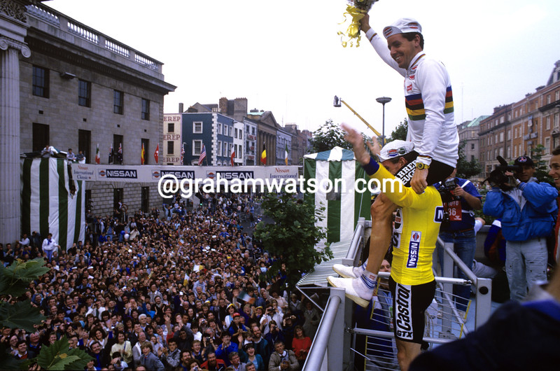 Stephen Roche and Sean Kelly before the Tour of Ireland in Dublin in 1987