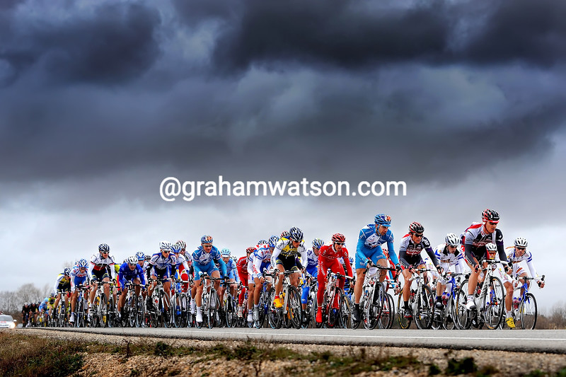 THE PELOTON ON A STAGE OF THE ETOILE DE BESSEGES
