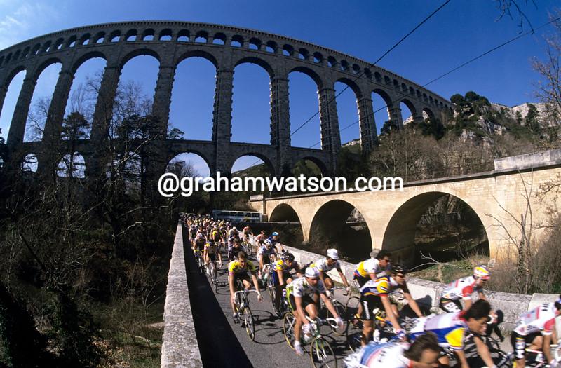 Cyclists beneath the Pont du Gard in the 1997 Tour de France