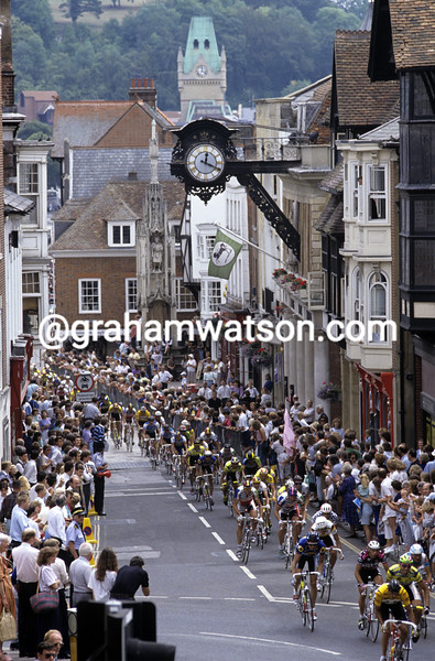 Cyclists pass through Winchester in the 1990 Tour of Britain