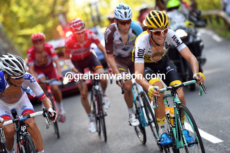 George Bennett escapes on stage 14 of the 2016 Vuelta a España