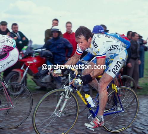 Gilbert Duclos-Lassalle in the 1993 Paris-Roubaix