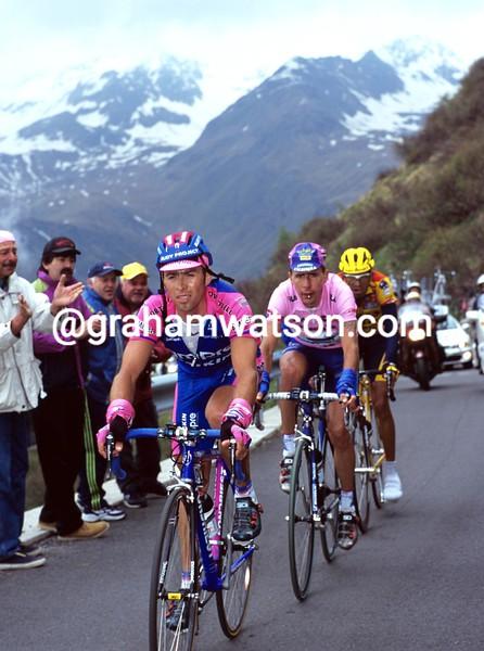 Gilberto Simoni in the 2000 Giro d'Italia