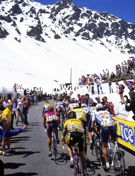 The Giro d'Italia climbs the Splugenpass in 1995