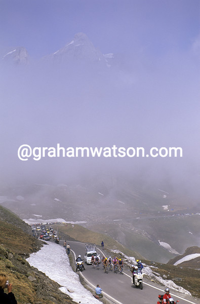 Cyclists on the Colle di Agnello in the 2000 Giro d'Italia