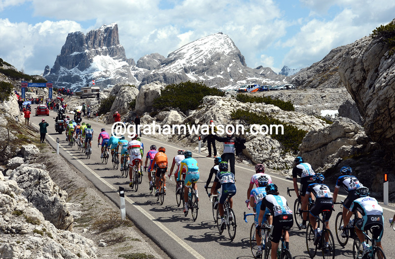 The peloton on stage seventeen of the 2012 Giro d'Italia