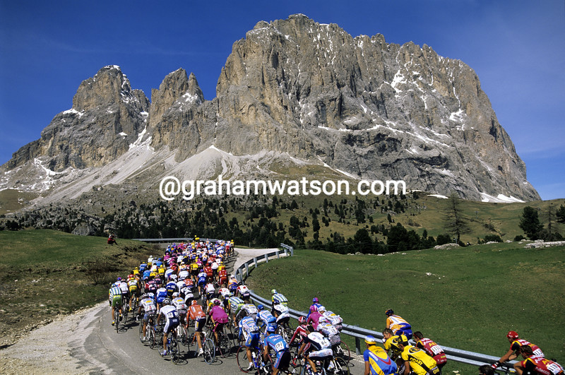 Cyclists climb the Passo Sella in the Giro d'Italia