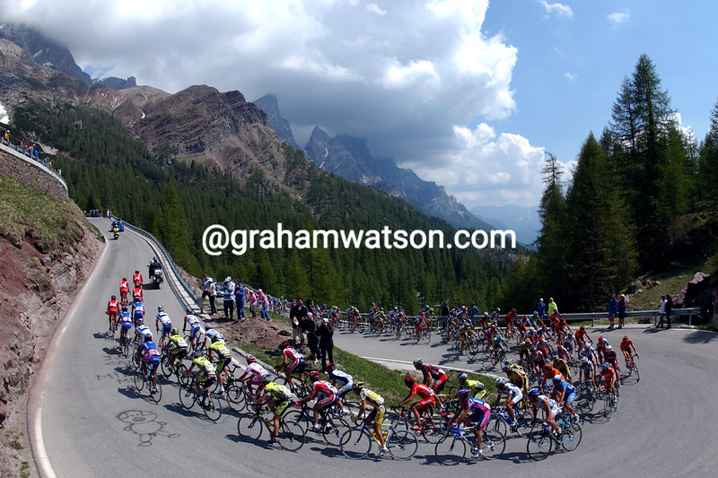 The 2002 Giro d'Italia climbs the Passo Pordoi on Stage 16