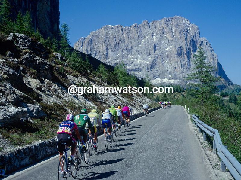 The Giro d'Italia on the Passo Sella