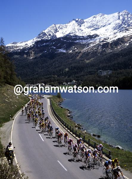 Cyclists climb in the Alps in the 1995 Giro d'Italia