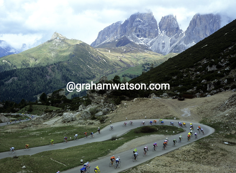 Cyclists in the Dolomites in the 1989 Giro d'Italia