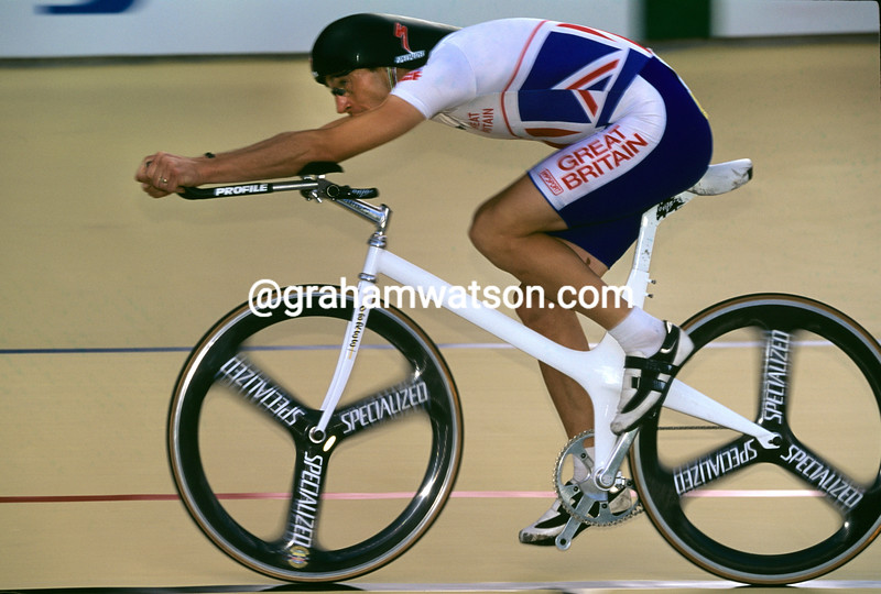 Graeme Obree on his way to winning the 1995 World Pursuit Championship in Colombia