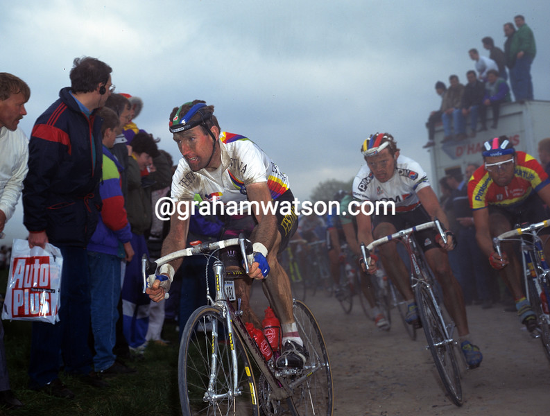 Sean Kelly in the 1990 Paris-Roubaix