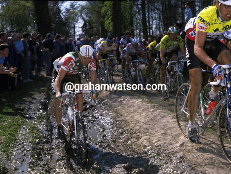 Bob Roll in the 1988 Paris-Roubaix